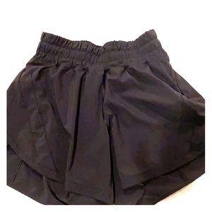 "Lululemon Tracker Short size 4 4"" black"